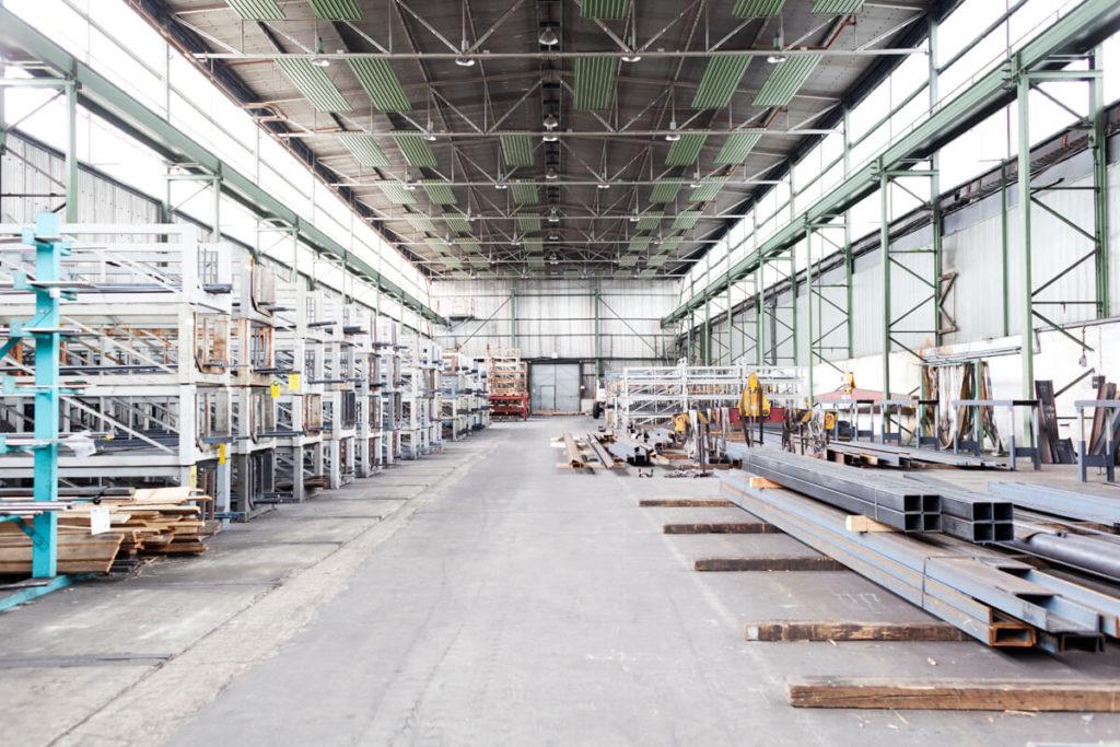Lagerfläche von Eisen und Stahl direkt beim Großhandel