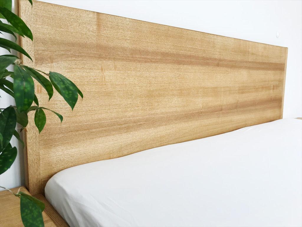 Echtholzbett - Massivholz Esche, Bettgestell und Echtholz vereint, passend für Industrial Loft, Designer Studio, Massivholzbett, Designbett, Designerbett, Nurholzbett in Esche, Eiche und Buche