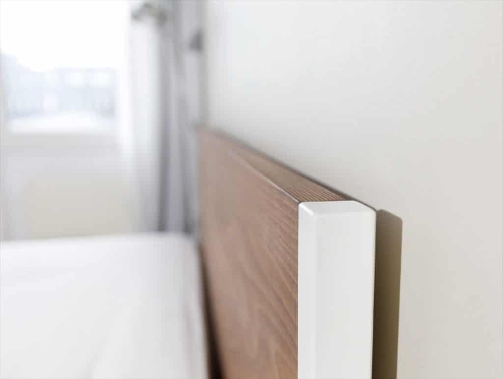 Loft Vintage Industrial Bett aus Buche in massiver Ausführung, perfekt für dein Loft, Studio, Schlafzimmer, Bettgestell handmade produziert aus Stahl, Stahlbett kombiniert mit Holz individuell und zum schlafen bereit, Designbett und Loftbett zugleich
