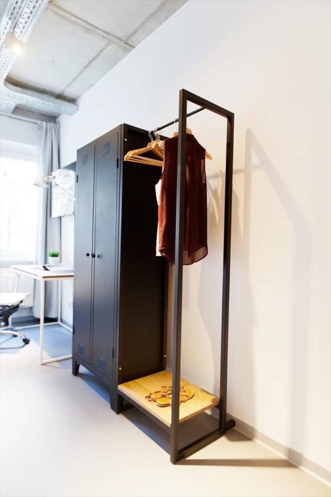 N51E12 - Showroom, Showapartment, Apartment, Loft, Schlafzimmer, Schrank, Spint, Schwarz