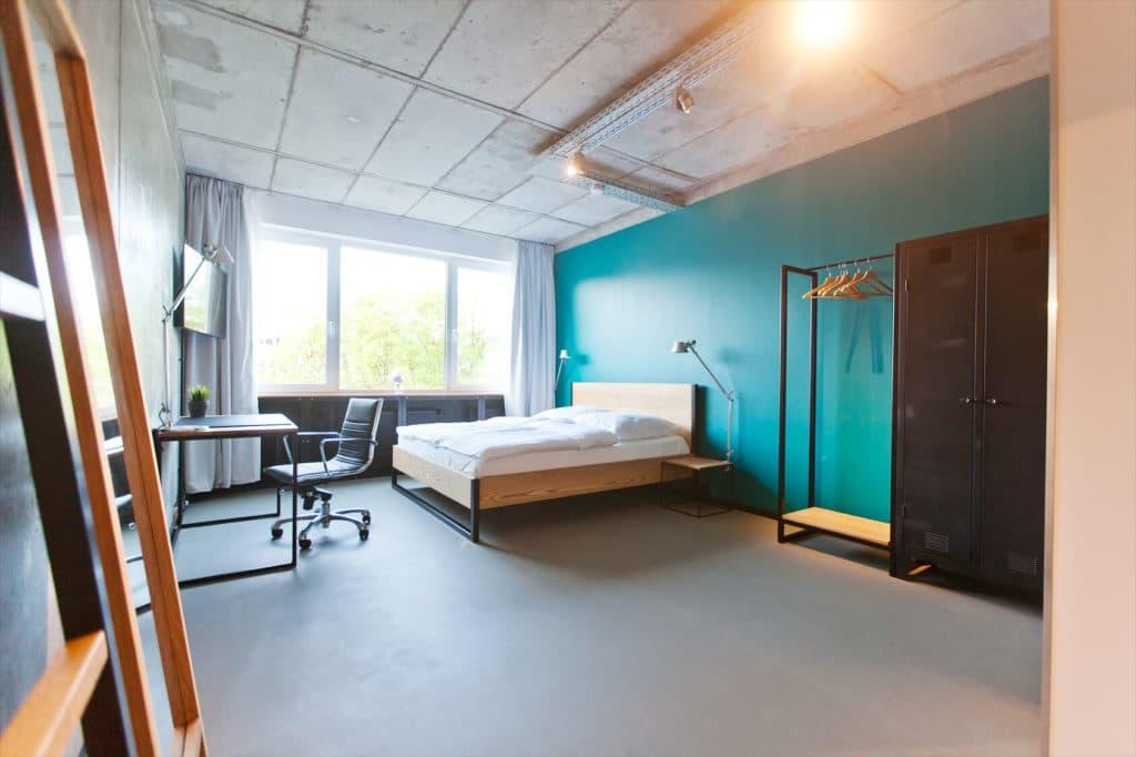 N51E12 - Showroom, Showapartment, Apartment, Loft, Schreibtisch, Bett, Sonderanfertigung, Individuell, Schlafzimmer, Wohnzimmer, Unterkunft, Hotel, Aparthotel, Leipzig