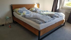 N51E12 - Kundenbild - Loft Vintage Bett - RAL 7016 Anthrazit - Buche BN