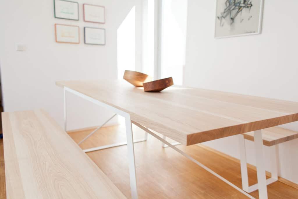 Design Esstisch - Tisch aus Stahl und Massivholz Esche