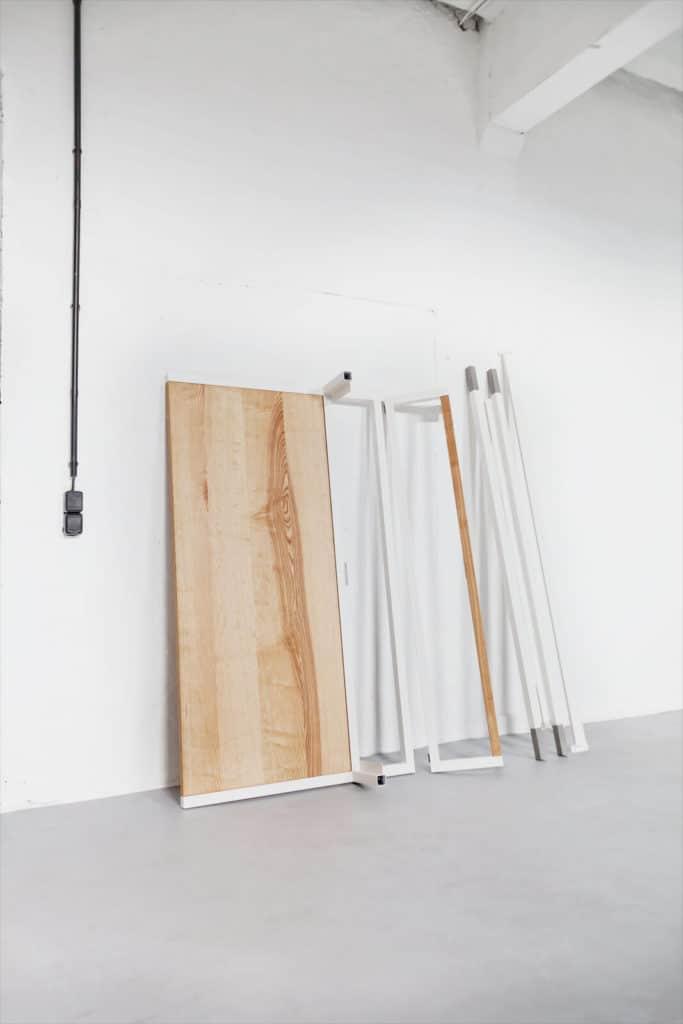 Stahl Loft Bett - Doppelbett aus Massivholz und Stahl, Designerbett von Desigern aus Dessau, Eiche Massivholzbett individuell hergestellt, Metallbett perfekt für das Schlafzimmer