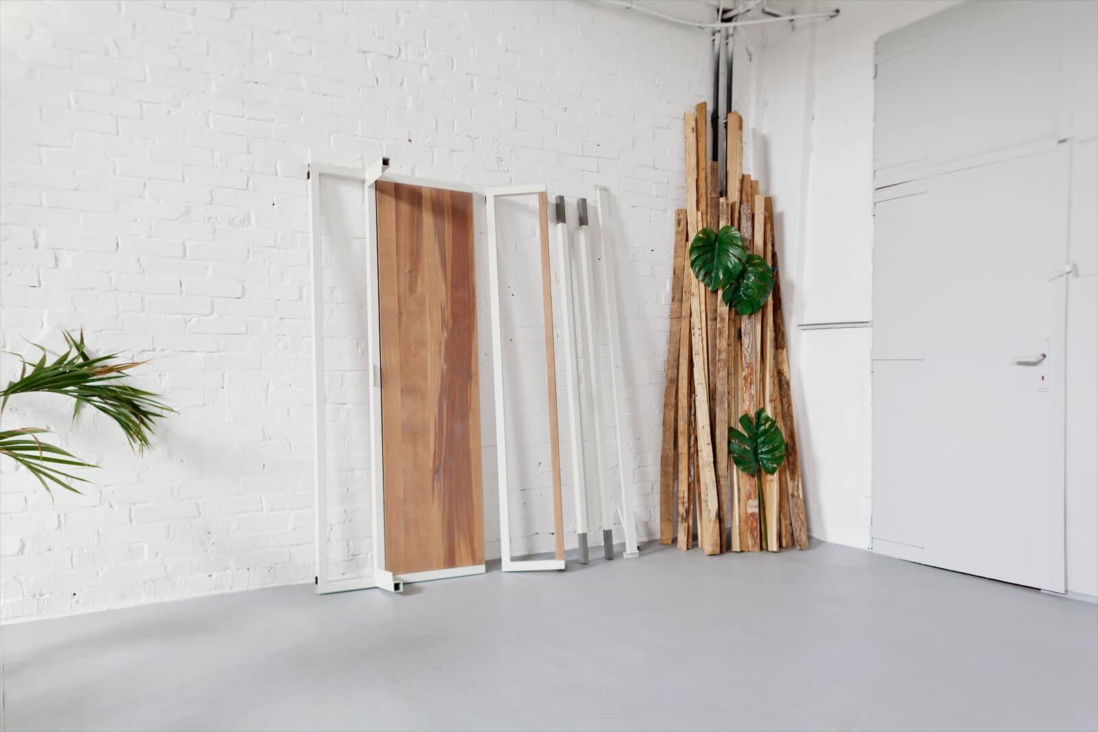 Stahl Loft Bett - Doppelbett aus Massivholz Eiche und Stahl, Designerbett von Desigern aus Dessau, Massivholzbett individuell hergestellt, Metallbett perfekt für das Schlafzimmer