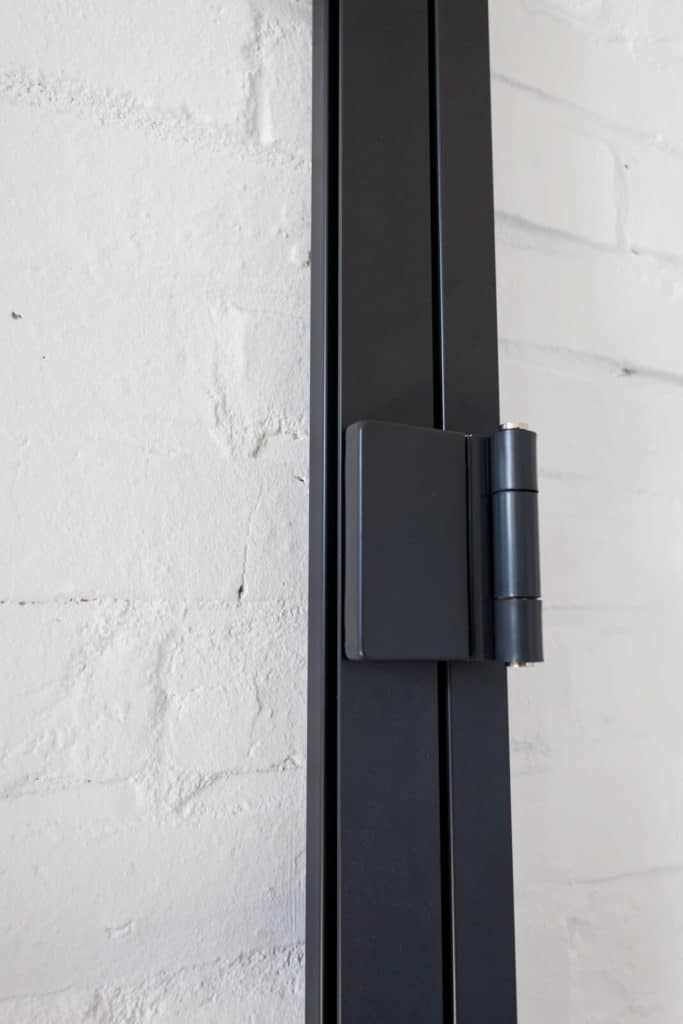 Stahl Loft Türen, Loft Türen, Lofttür Stahl, Loft Glastüren, Windfang, Windfangtür, Glas Loft Wand, Stahl Glas Wand, Office Trennwand, Büro Wand, Schlafzimmertrennwand, Bauhaus Wand, Bauhaustür, Schlaffzimmerwand, Loft Wand
