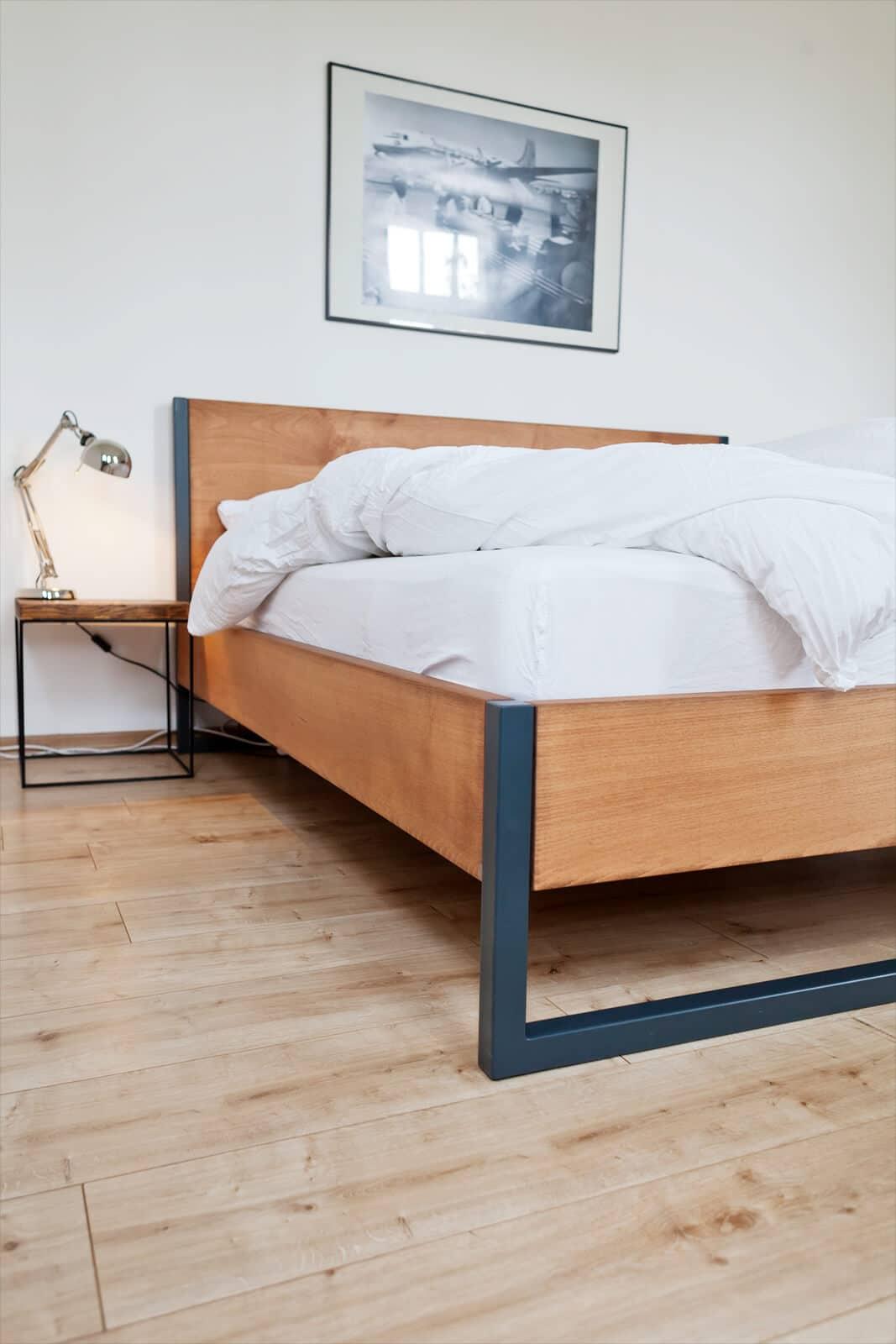 Massivholzbett – Loft Vintage – Massivholz Buche im Stahlgestell N51E12 design & manufacture