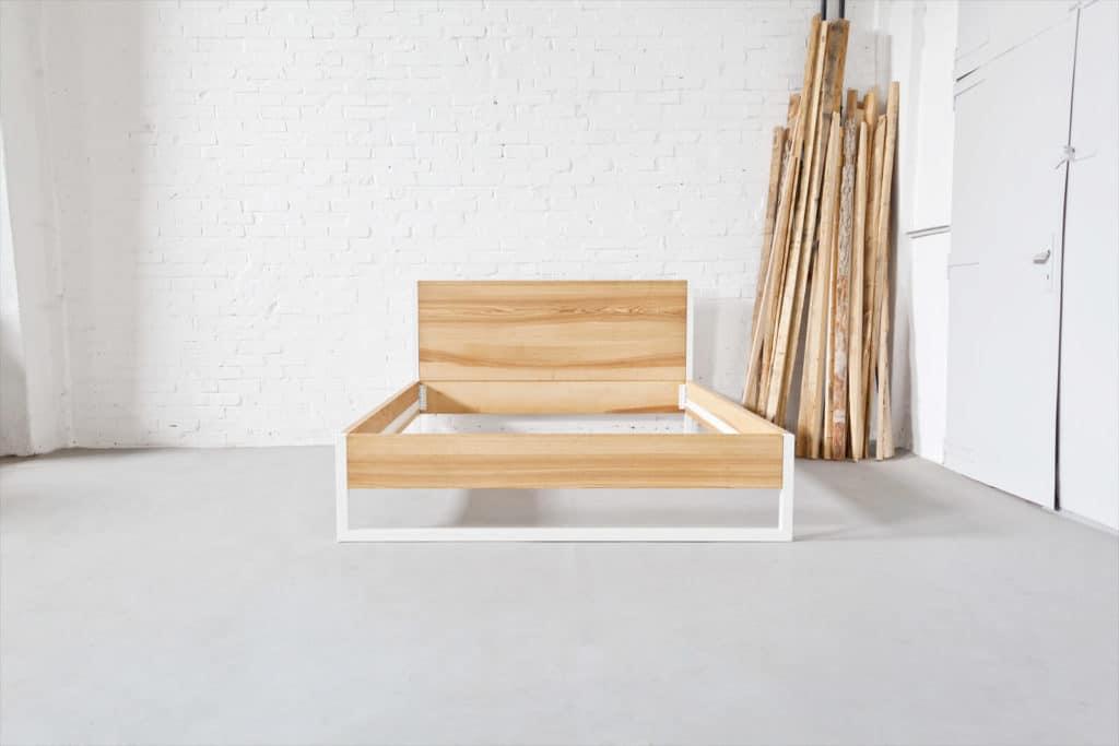 Stahl Loft Bett - Doppelbett aus Massivholz Esche und Stahl, Designerbett von Desigern aus Dessau, Massivholzbett individuell hergestellt, Metallbett perfekt für das Schlafzimmer