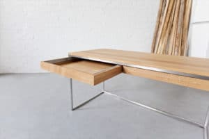 Design Schreibtisch aus Massivholz Eiche und Edelstahl, perfekt für das Büro, Office Schreibtisch, Tisch, Bürotisch