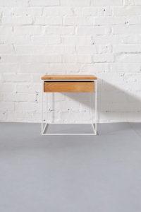 N51E12 Design Beistelltische aus Massivholz und Stahl, Nachttisch für das Schlafzimmer aus Eiche, Stahl mit Schublade, Designertisch, Bauhaus, Bauhausdesign, Dessau