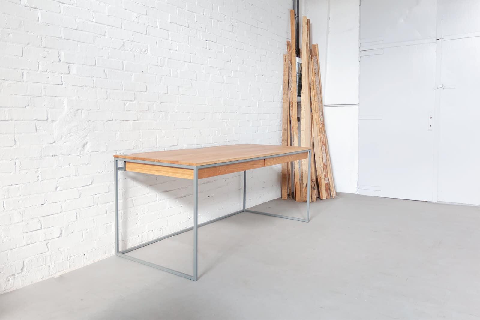 design schreibtisch 114 aus massivholz und stahl n51e12 design manufacture