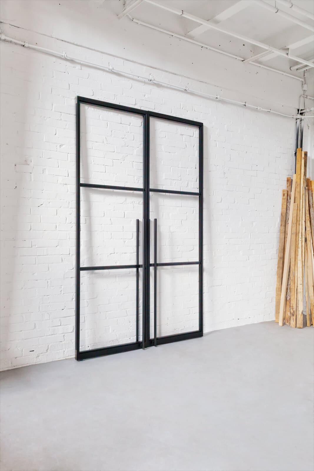 N51E12 - Stahl Loft Tür - vertikale Zugstange Lang