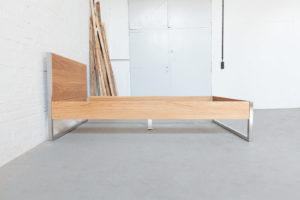 N51E12 - Design Edelstahlbett aus Massivholz Eiche, Massivholzbett, Designbett, Loftbett, Loft, Edelstahl, Doppelbett