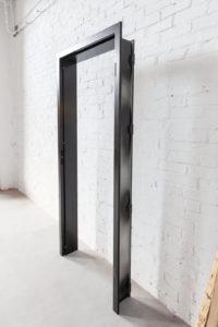 N51E12 Stahl Loft Tür mit Mauerwerkszarge, Zimmertür, Lofttür, Raumtrenner, Trennwand, Zarge, Zimmertür, Stahltür, Glastür, Lofttür, Loftdesign, Schlosskasten, absenkbare Bodendichtung