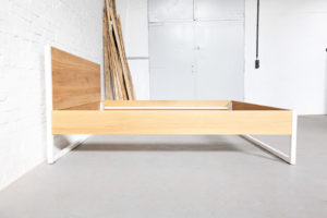 N51E12 Massivholzbett, Bettrahmen, Doppelbett, Bettgestell, Massivholz Eiche, Stahlrahmen, Stahlbett, Loftbett, Stahl, Schlafzimmer, 180x200