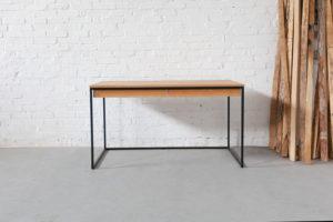N51E12 Design Schreibtisch aus Stahl und Massivholz Eiche, Bauhaus Tisch, Office, Bürotisch, Homeoffice, Stahltisch, Stahlgestell