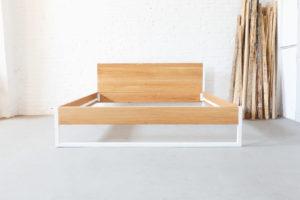 N51E12 Massivholzbett aus Eiche und Stahl, Stahlrahmen kombiniert mit Eiche Massivholz, Designbett, Doppelbett, 200x200, Bett auf Maß, Maßanfertigung, Loftbett,