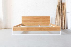 N51E12 Massivholzbett aus Eiche und Stahl, Stahlrahmen kombiniert mit Eiche Massivholz, Designbett, Doppelbett, 200x200, Bett auf Maß, Maßanfertigung, Loftbett, Familienbett, Bett für die Familie, Schlafzimmer, Maßanfertigung, Möbel nach Maß
