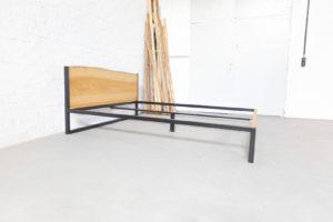 N51E12 B18 Design Bett aus Massivholz Esche und Stahl, Stahlgestell, Bettgestell, Bettrahmen, Designerbett, Loftbett, Futon-Bett, 160x200