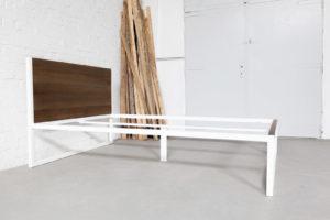 N51E12 - B18 - Designbett, Stahlrahmen, Massivholz Eiche, Doppelbett, Bauhaus Design Bett, Loftbett, Loft, Industrial Bett, Bettrahmen, Bettgestell, 140x200