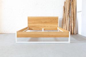 N51E12 Nature Ash Bett, Massivholzbett aus Echtholz Esche, Loftbett, Doppelbett, Designbett in Überlänge, Sondergröße 180x210, Bauhausbett, Designbett