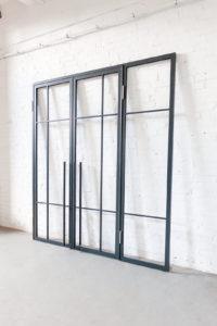 N51E12 - Stahl Loft Tür, Drehtür, Windfang, Raumtrenner, Glastrenner, Trennwand, Glastrennwand, Loft, Bauhaus Design, Stahl Glas Trennwand, Steel Loft Door