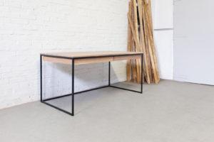 N51E12 Design Schreibtisch aus Stahl und Massivholz Eiche, Bauhaus Tisch, Office, Bürotisch, Homeoffice, Stahltisch, Stahlgestell, 160x80