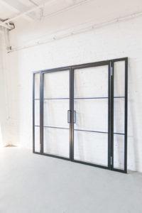 N51E12 Stahl Loft Tür, Doppeltür, Drehtür, Loftstyle, industrial Door, Raumtrenner, Glastrennwand, Seitenteile, Festelement, Türmagnet, Schwarz, Stahlrahmen