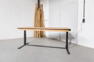 N51E12 Smart elektrisch höhenverstellbarer Schreibtisch aus Massivholz Eiche und Stahl, Stahlrahmen, Stahlgestell, Metall, Metallrahmen, Office, Schreibtisch, Bürotisch, Lofttisch, Loft,