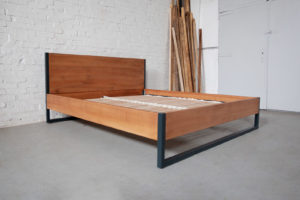 N51E12 Loft Vintage Industrial Bett, Loftbett aus Massivholz Buche und Stahl, Stahlrahmen, Metallrahmen, Loft, 180x200, Stahl, Metall, Designbett, Doppelbett