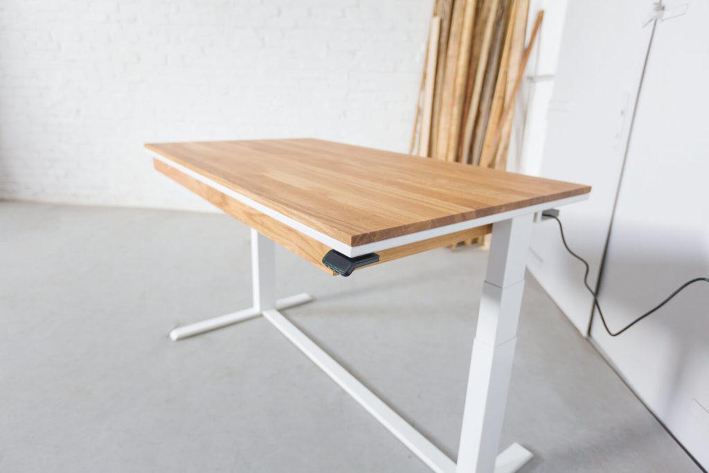 N51E12 Smart elektrisch höhenverstellbarer Schreibtisch aus Massivholz Eiche und Stahl, Stahlrahmen, Stahlgestell, Metall, Metallrahmen, Office, Schreibtisch, Bürotisch, Lofttisch, Loft, 140x80