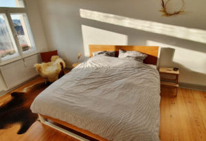 N51E12 Cashback Nature Oak Bett aus Massivholz, Massivholzbett mit Stahlrahmen, Doppelbett, Designbett, 180x200, Loftbett, Loft, Stahl