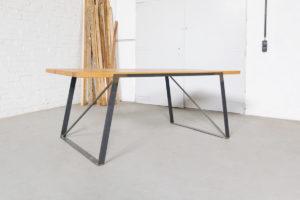 N51E12 Design Esstisch aus Massivholz Eiche, Stahlrahmen, Stahlgestell, Tisch, Esszimmer, Dinnertisch, Bürotisch, Konferenztisch, Loft, Lofttisch, Essen, 200x90