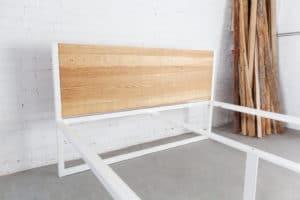 N51E12 B18 Designbett , Massivholzbett 160x200 aus Massivholz Esche und Stahl, Metallbett, Metallrahmen, Baubausbett, Loftbett, Doppelbett, Stahlbett