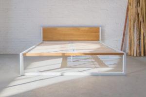 N51E12 Designbett Massivholzbett, Betthimmel aus Stahl, Metallrahmen, Loftbett, Massivholz, Eiche, 180x200, Stahlrahmen, Metallrahmen