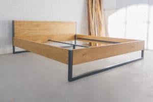 N51E12 200x200 Nature Oak Bett aus Massivholz Eiche, Massivholzbett, Loftbett, Doppelbett, Stahlrahmen, Stahlbett, Metallbett, Metallrahmen, Bettrahmen, Loftbett, Loft