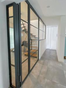 N51E12 Stahl Loft Tür, Glastrennwand, Drehtür, Windfang, Raumtrenner, Designtür, Bauhaustür, Glastür, Stahlrahmentür, steel door, industrial door, loftdoor