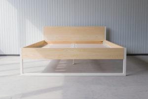 N51E12 180x200 Nature Ash Bett aus Massivholz Esche, Massivholzbett, Loftbett, Doppelbett, Stahlrahmen, Stahlbett, Metallbett, Metallrahmen, Bettrahmen, Loftbett, Loft