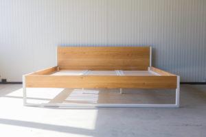 N51E12 240x200 Nature Oak Bett aus Massivholz Eiche, Massivholzbett, Loftbett, Doppelbett, Stahlrahmen, Stahlbett, Metallbett, Metallrahmen, Bettrahmen, Loftbett, Loft, Familienbett, Bett für die Familie, Übergröße, Überbreite, Sondergröße