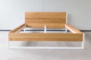 N51E12 180x200 Nature Oak Bett aus Massivholz Eiche, Massivholzbett, Loftbett, Doppelbett, Stahlrahmen, Stahlbett, Metallbett, Metallrahmen, Bettrahmen, Loftbett, Loft, minimalistisches Bettgestellv