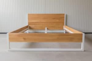 N51E12 160x200 Nature Oak Bett aus Massivholz Eiche, Massivholzbett, Loftbett, Doppelbett, Stahlrahmen, Stahlbett, Metallbett, Metallrahmen, Bettrahmen, Loftbett, Loft, minimalistisches Bett